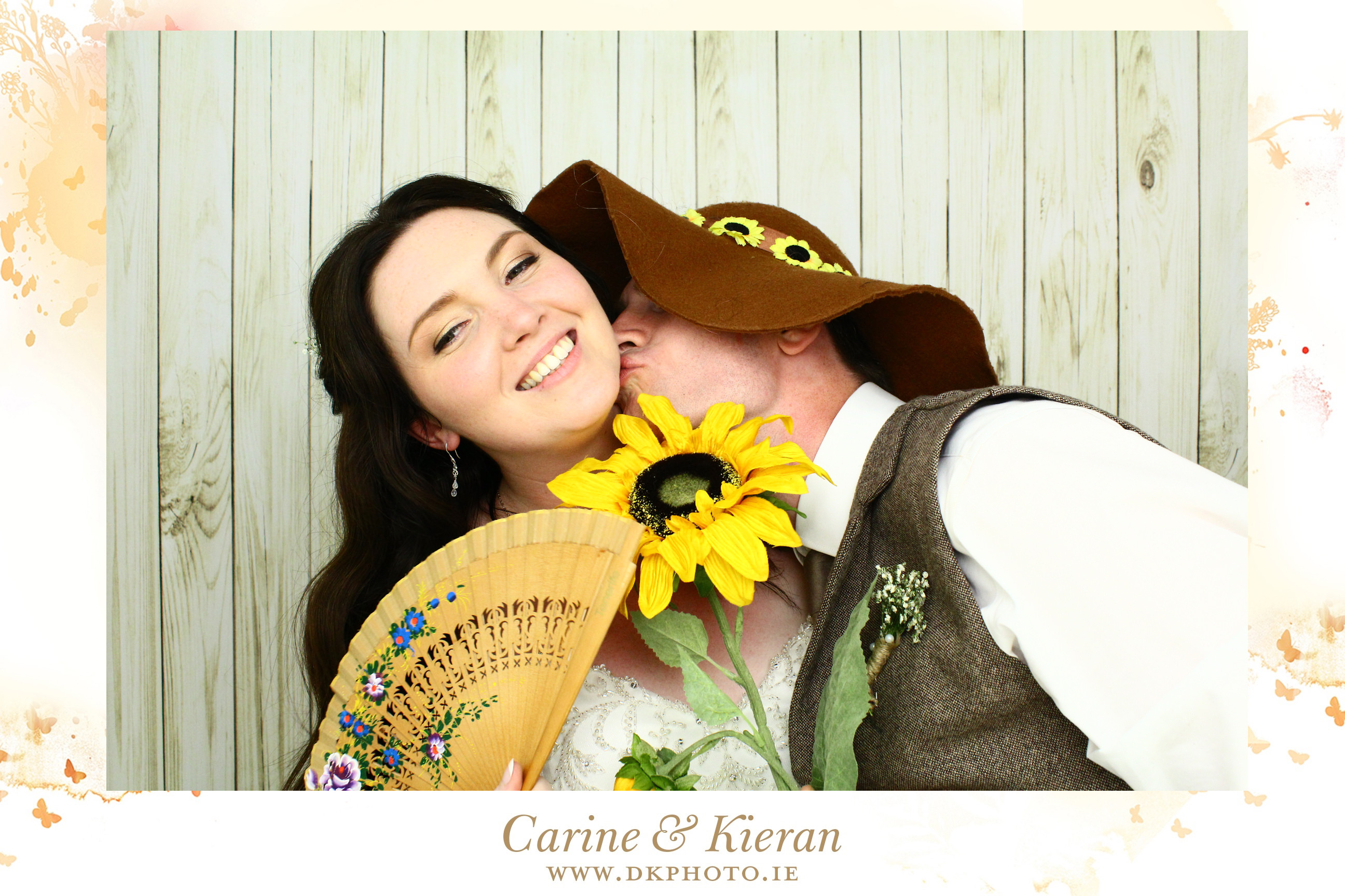 20160731213508 - Why You Should Have Photobooth At Your Wedding ?