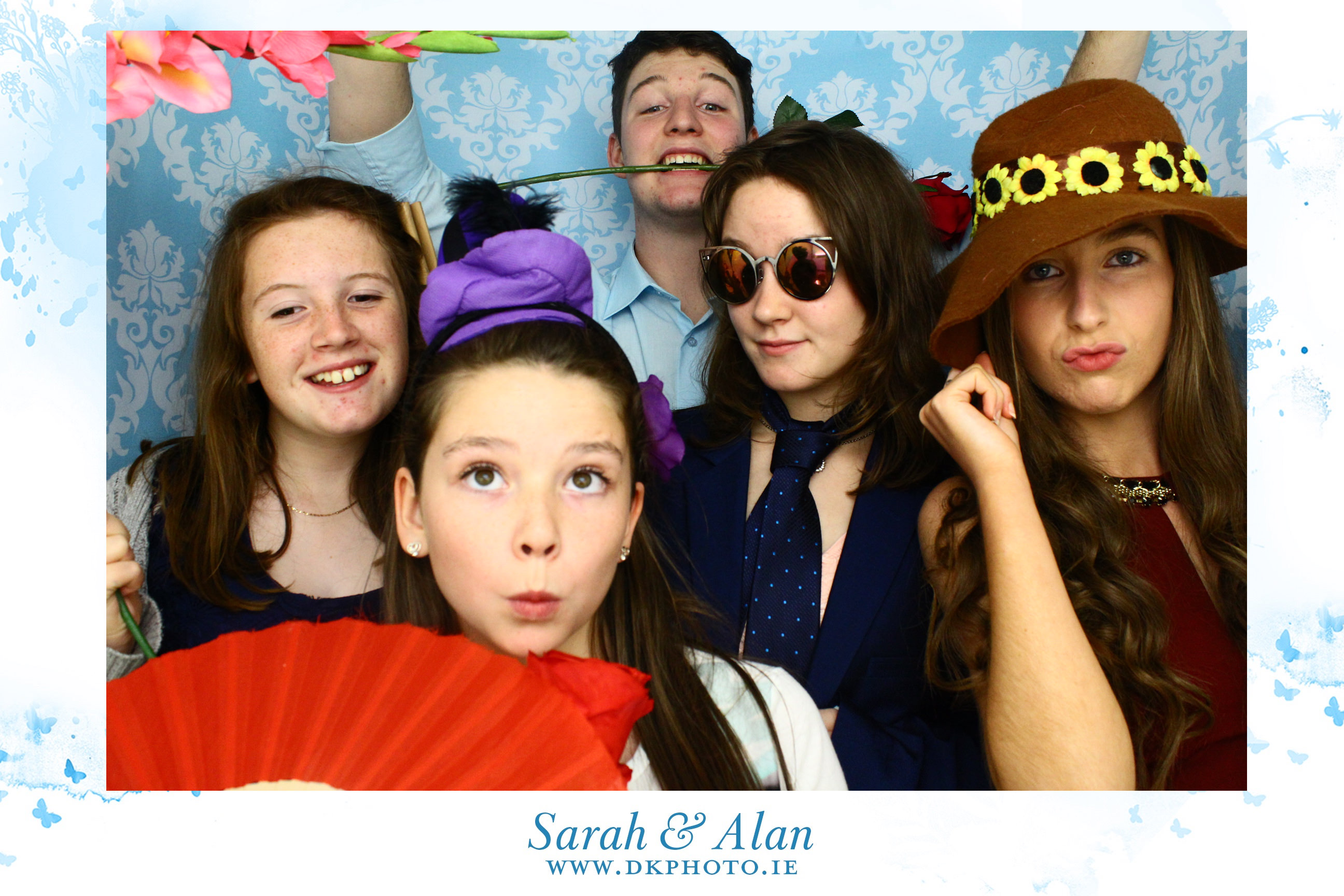 20160814004944 - Why You Should Have Photobooth At Your Wedding ?