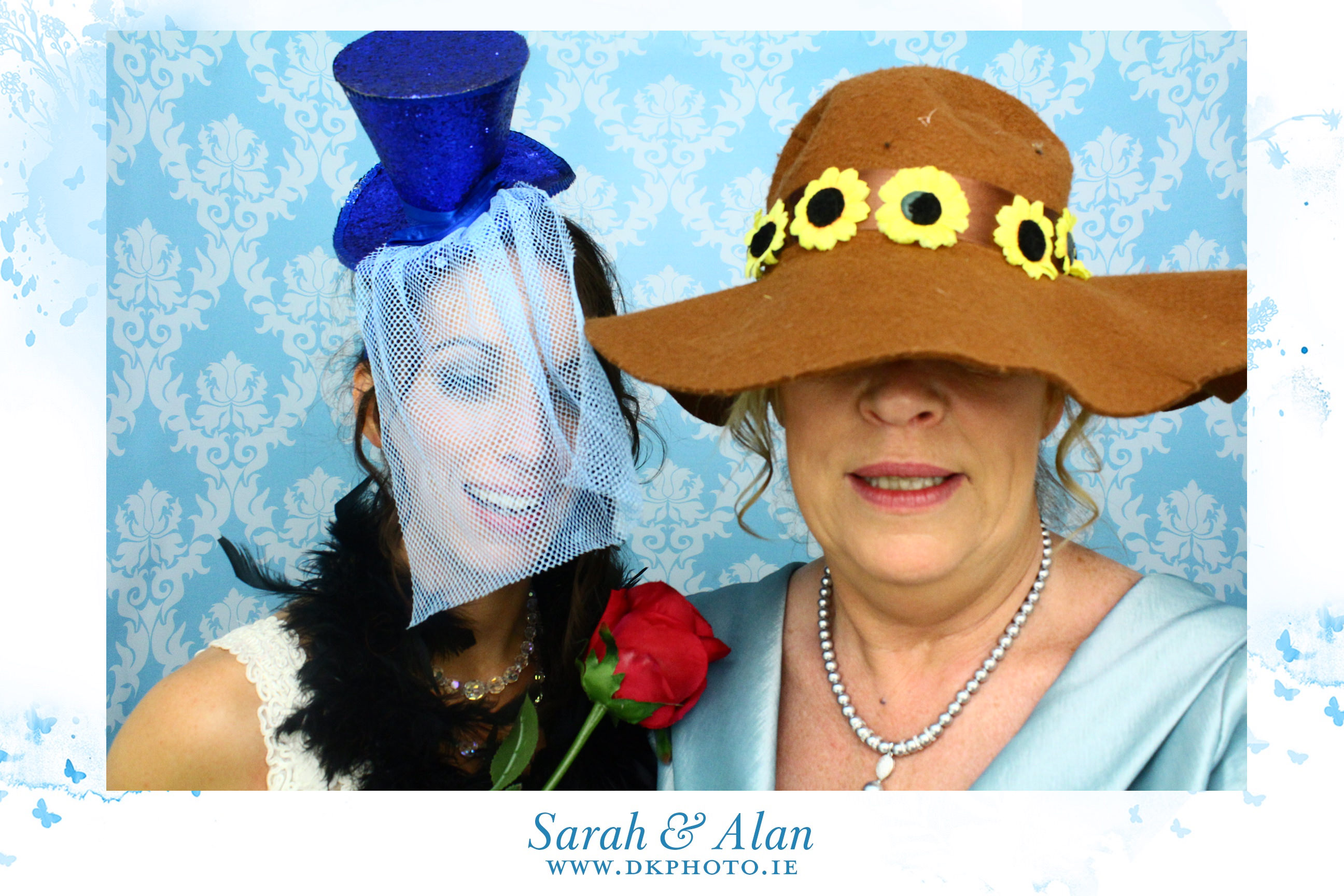 20160814013513 - Why You Should Have Photobooth At Your Wedding ?