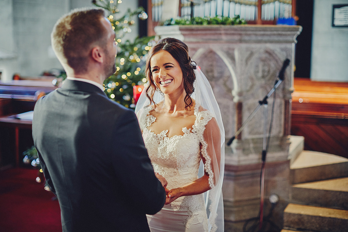 Brooklodge Wedding - Love Winter weddings ! | T & A 41