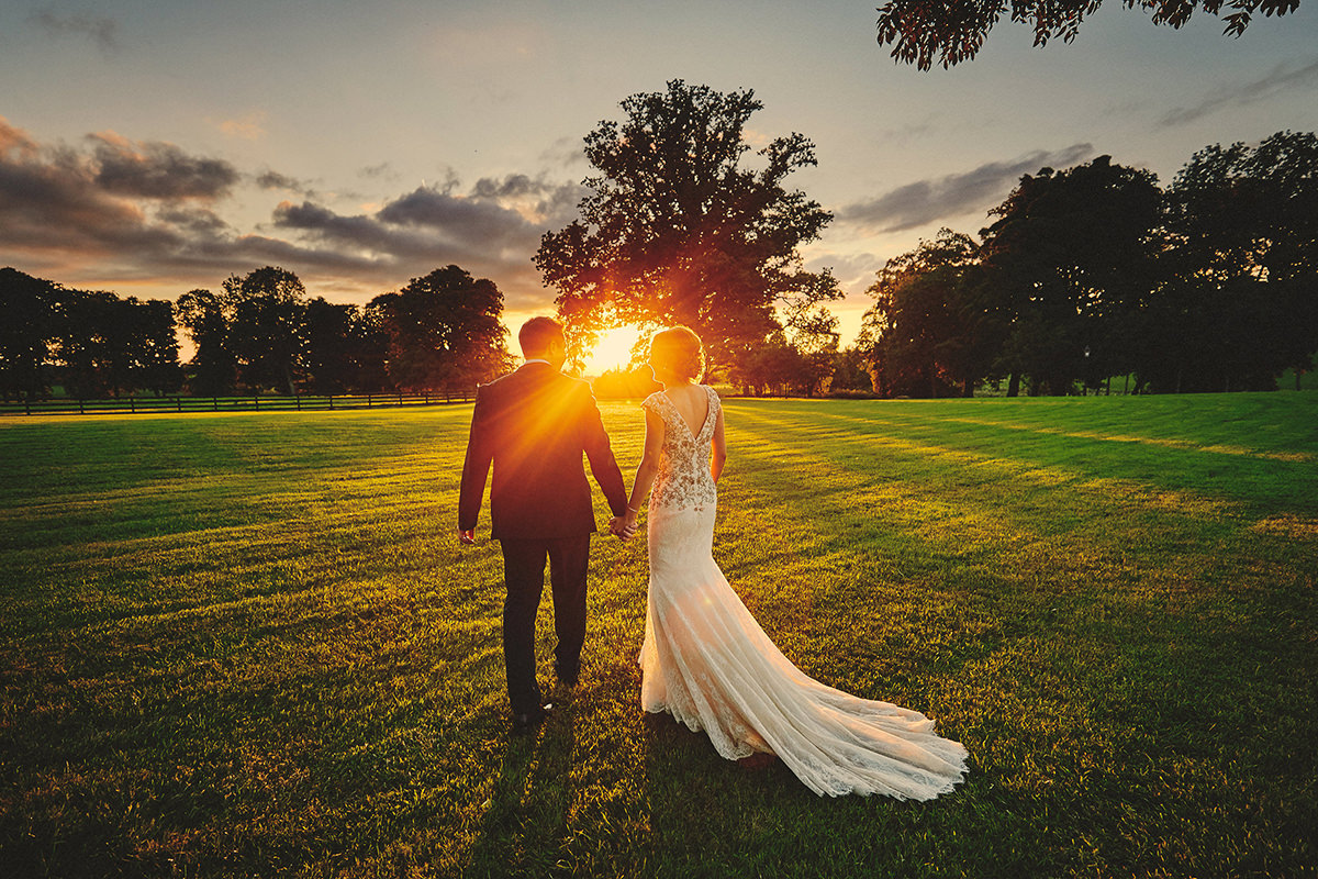 Choosing the best Wedding Photographer? 9