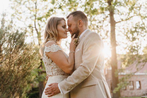 Professional Wedding Photographer Plans Own Wedding