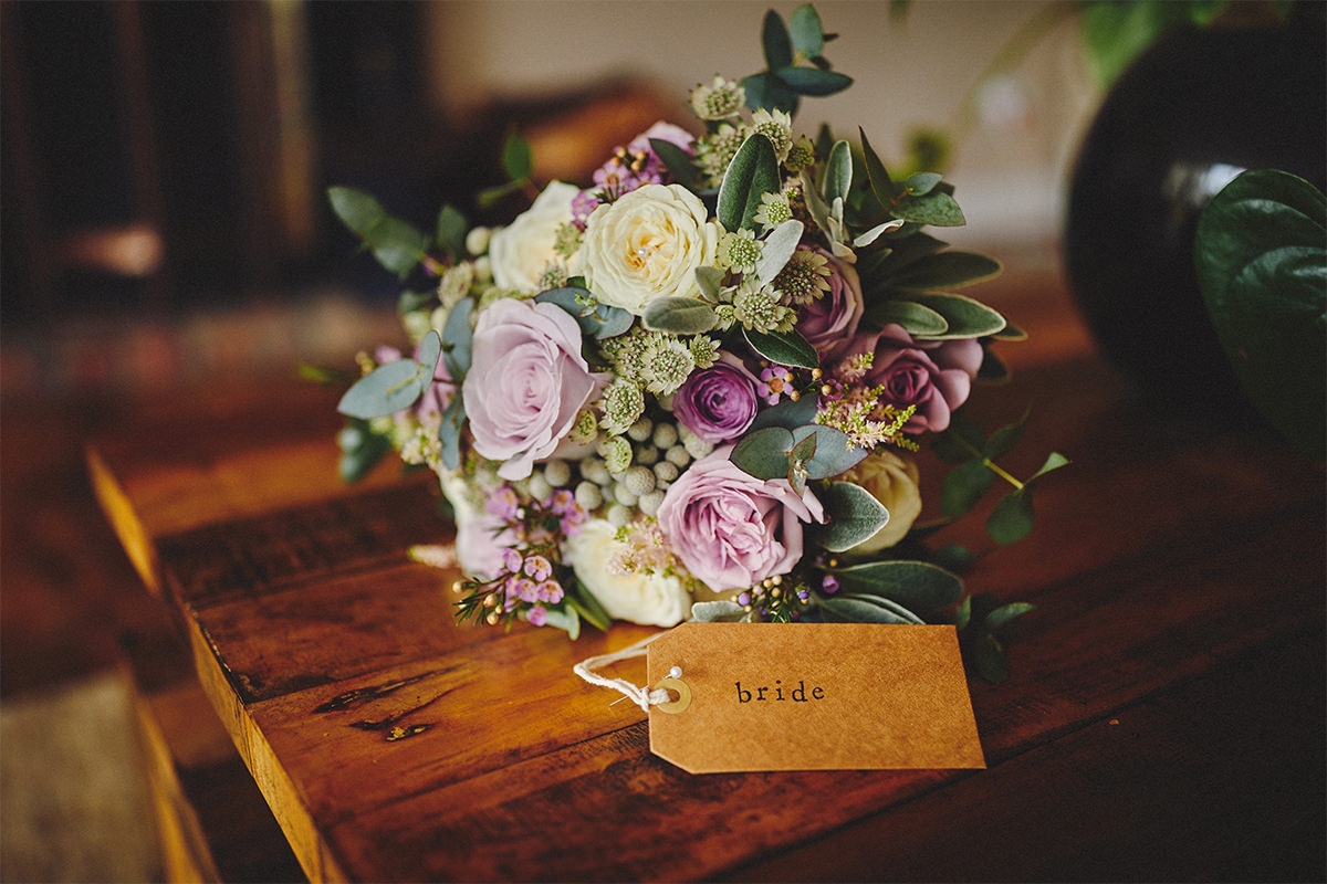 8 Tips Wedding flowers colours 1