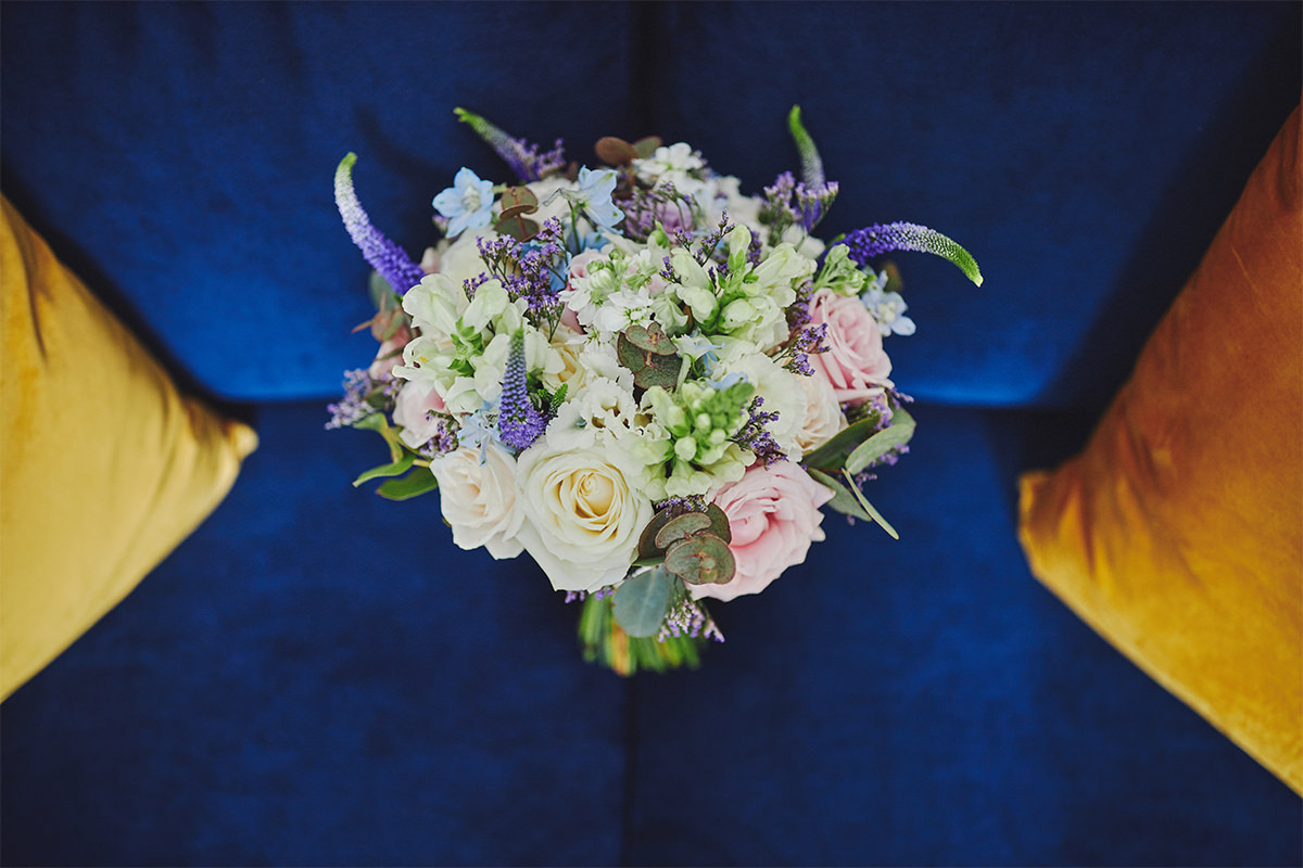 8 Tips Wedding flowers colours 32