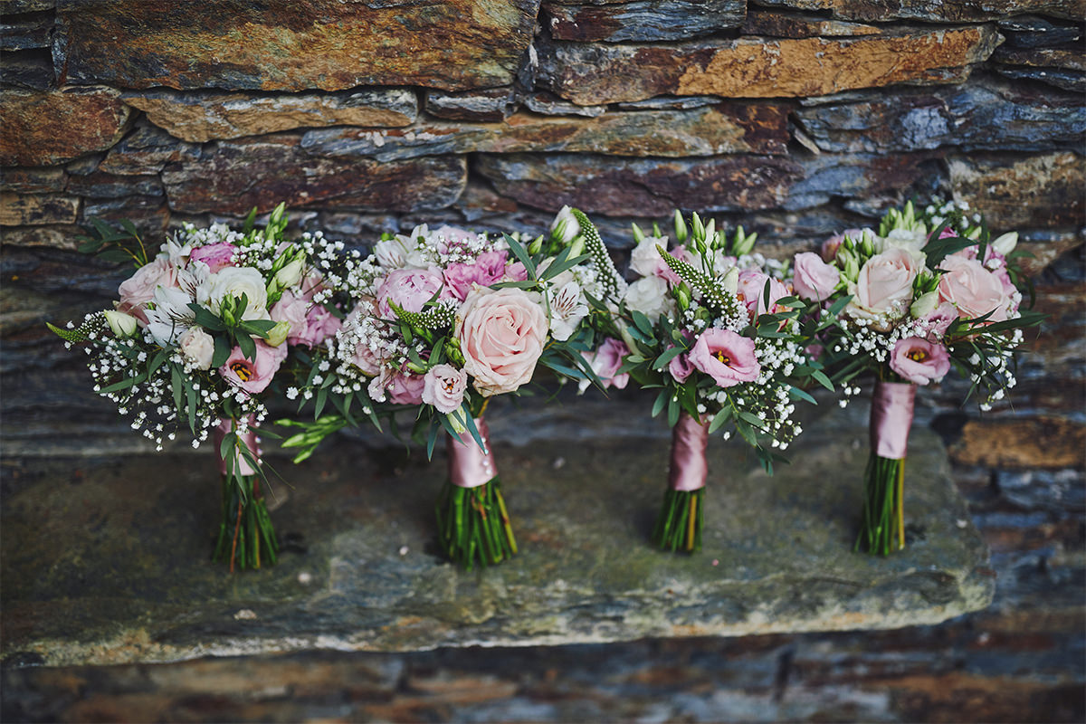 8 Tips Wedding flowers colours 15