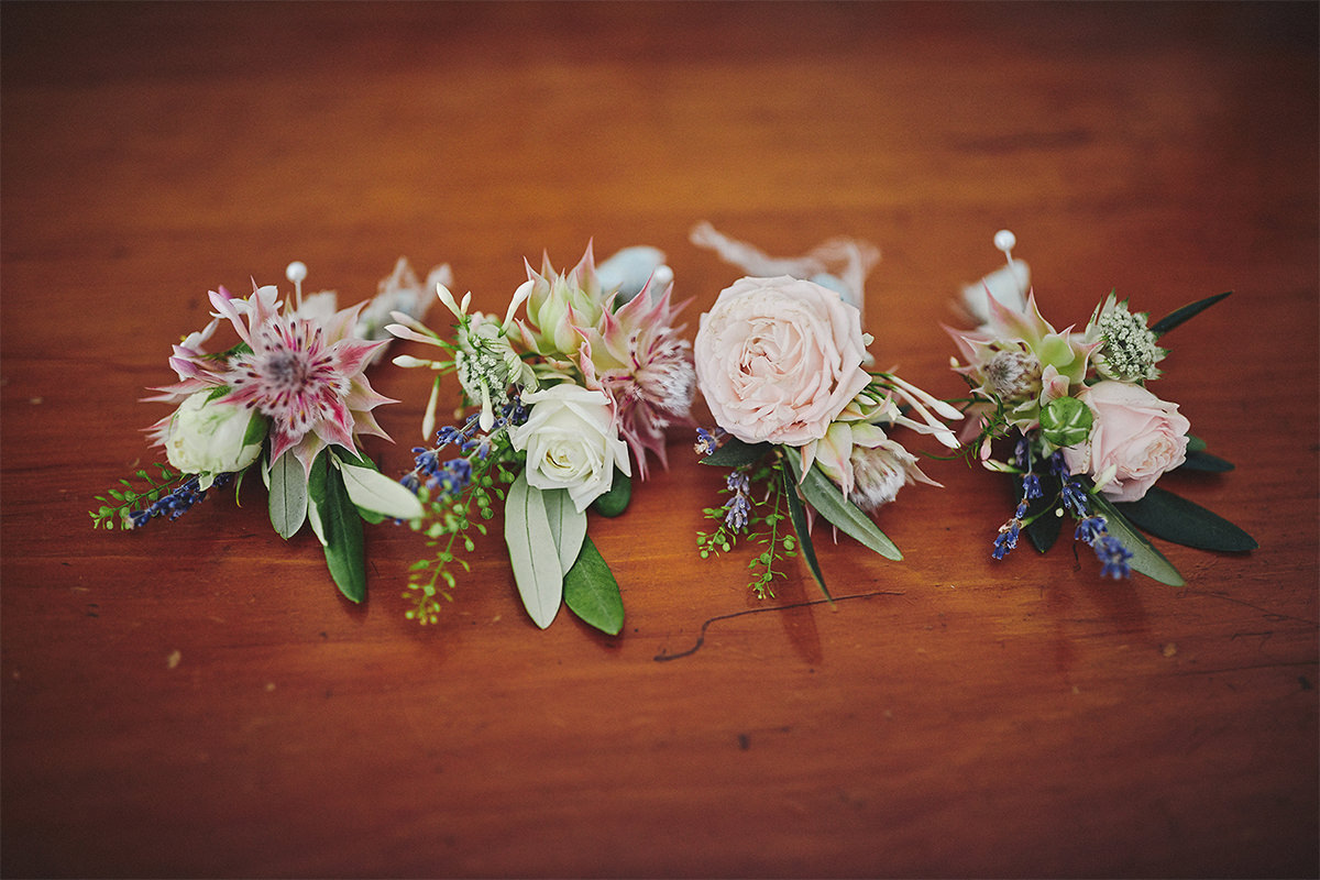 8 Tips Wedding flowers colours 40