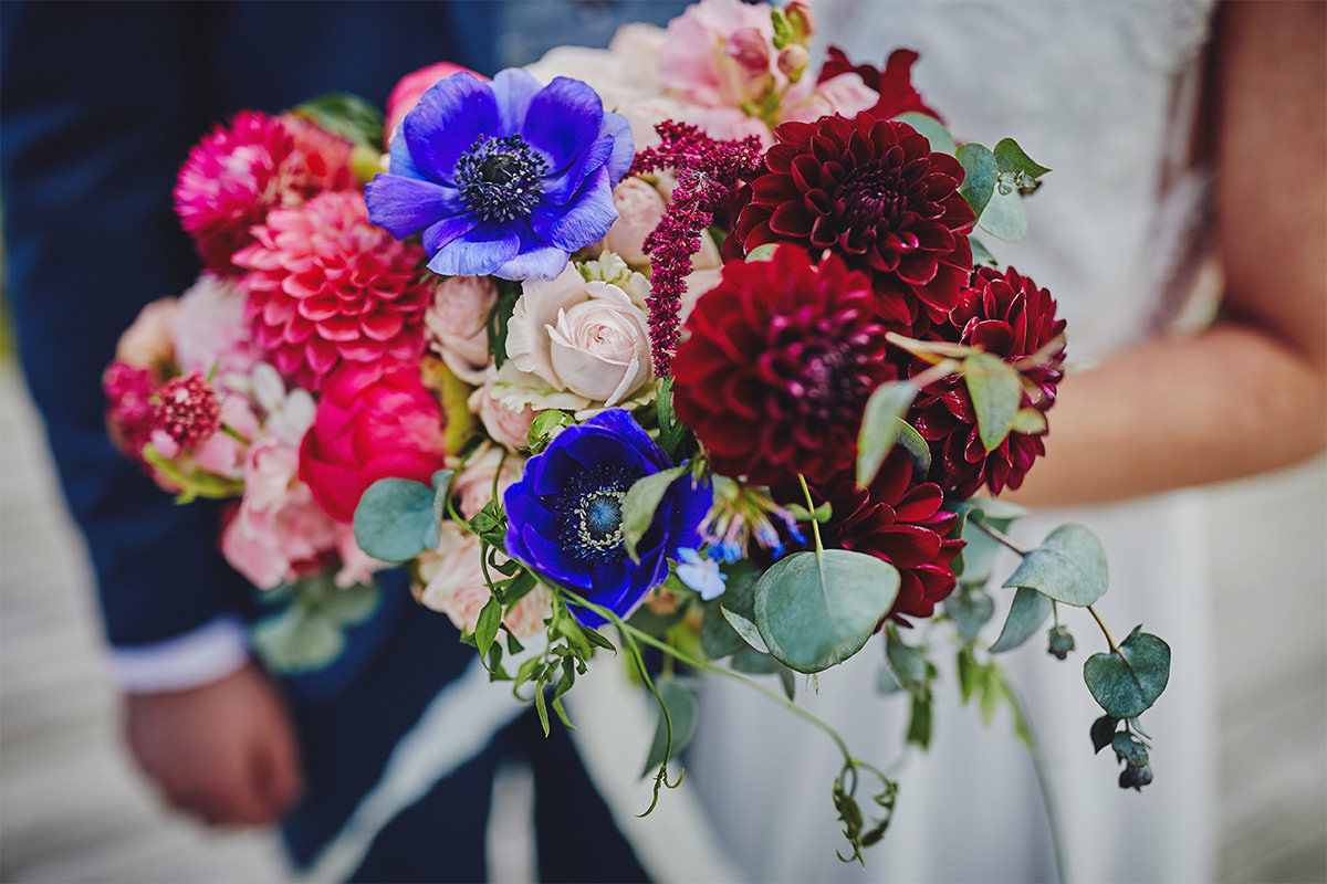 8 Tips Wedding flowers colours 56