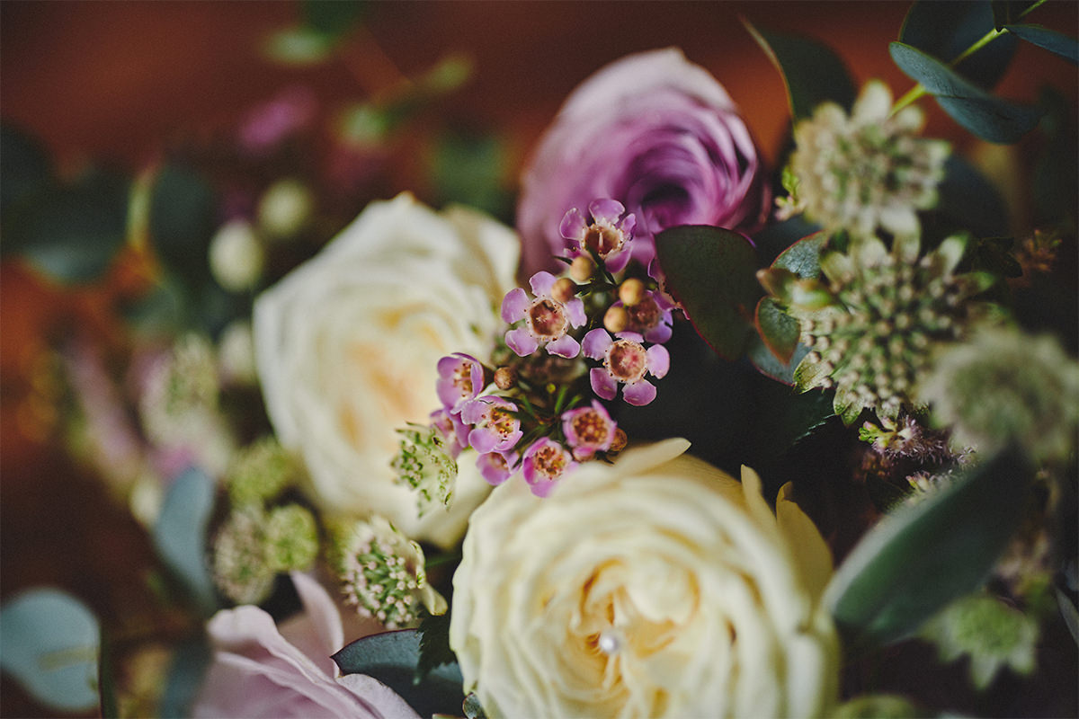 8 Tips Wedding flowers colours 57