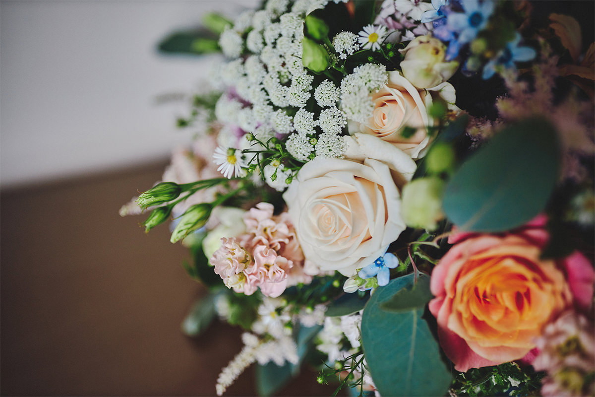 8 Tips Wedding flowers colours 66