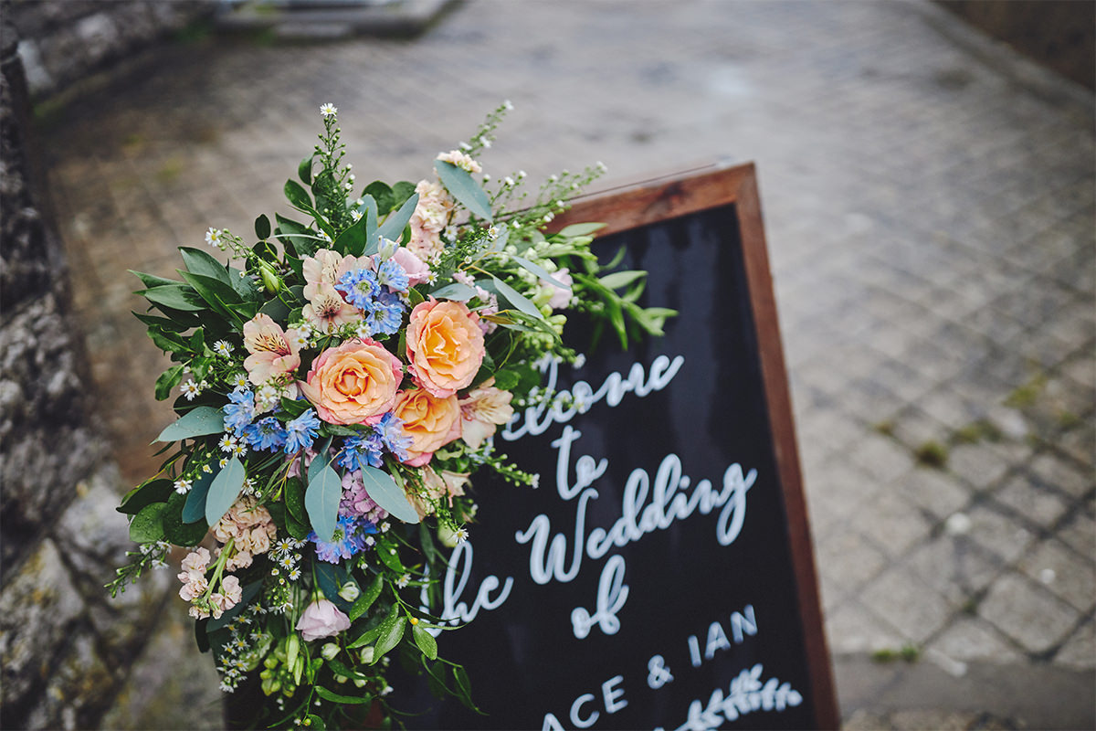 8 Tips Wedding flowers colours 9