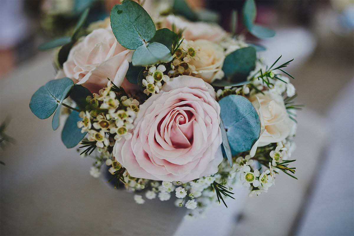 8 Tips Wedding flowers colours 71