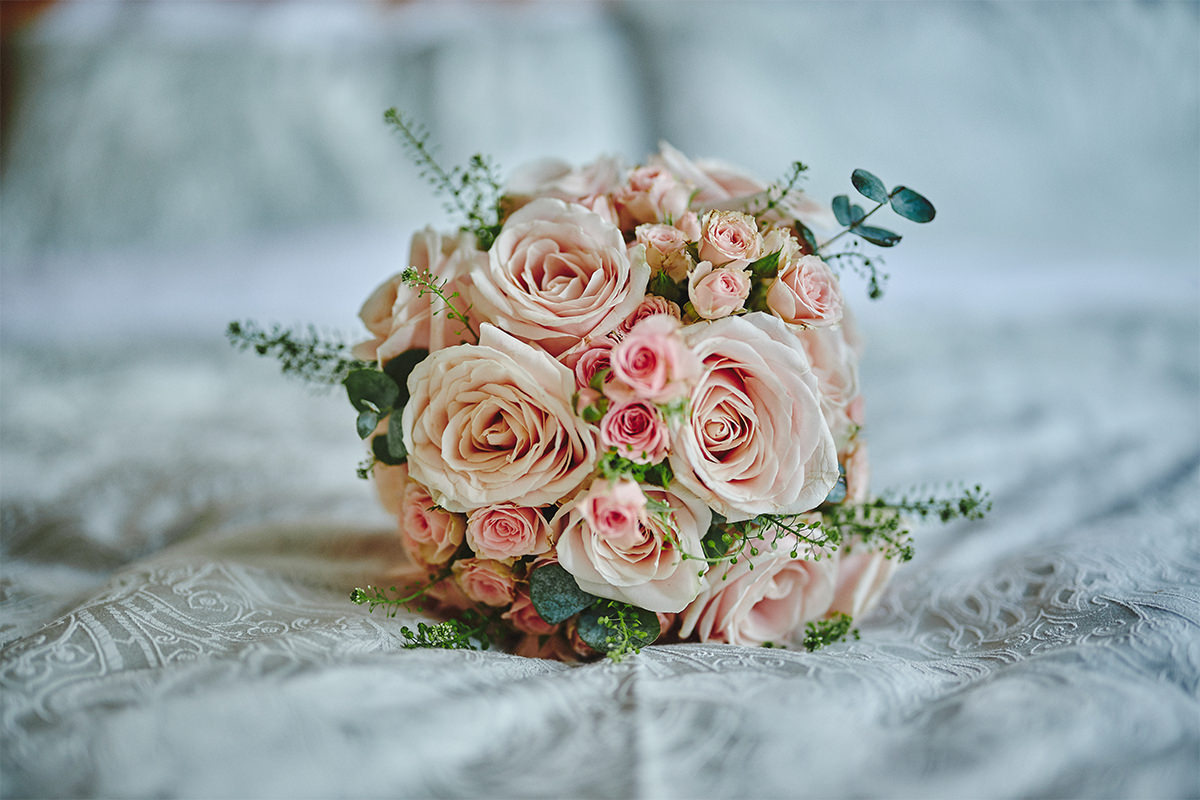 8 Tips Wedding flowers colours 10
