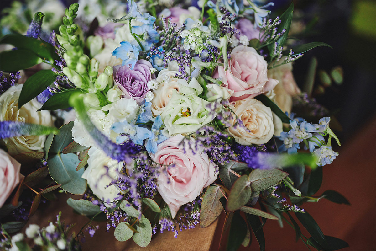 8 Tips Wedding flowers colours 76