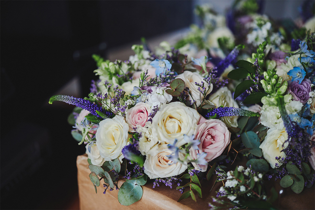 8 Tips Wedding flowers colours 77