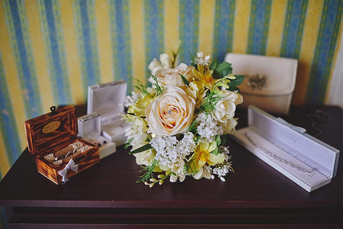 8 Tips Wedding flowers colours 80