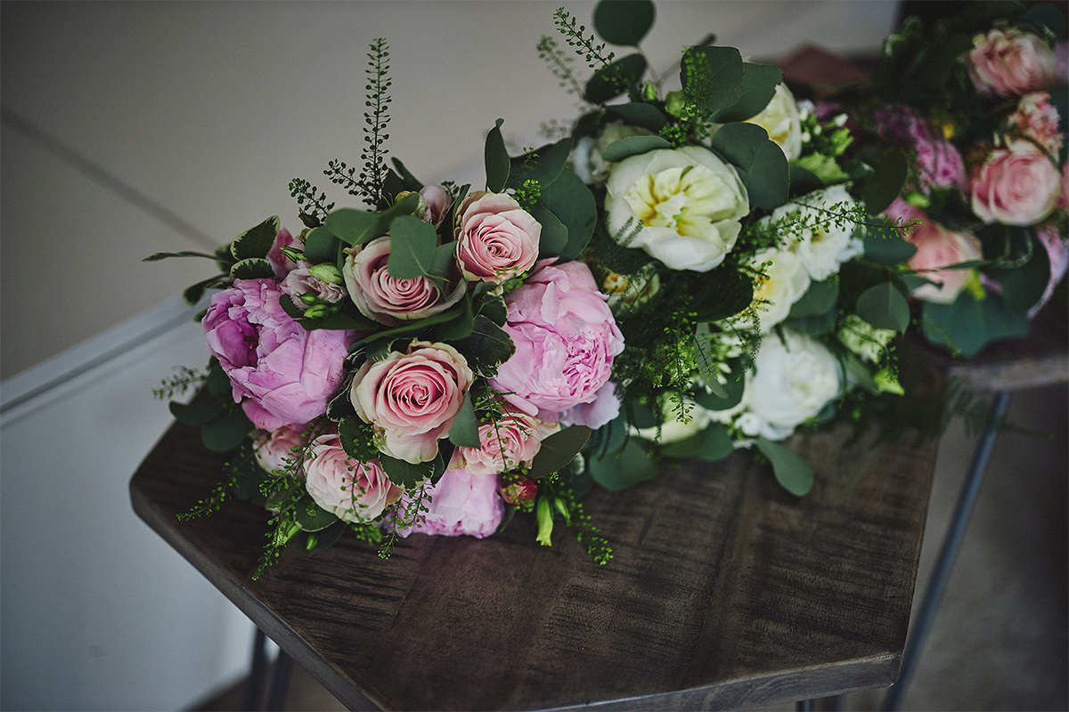 8 Tips Wedding flowers colours 85