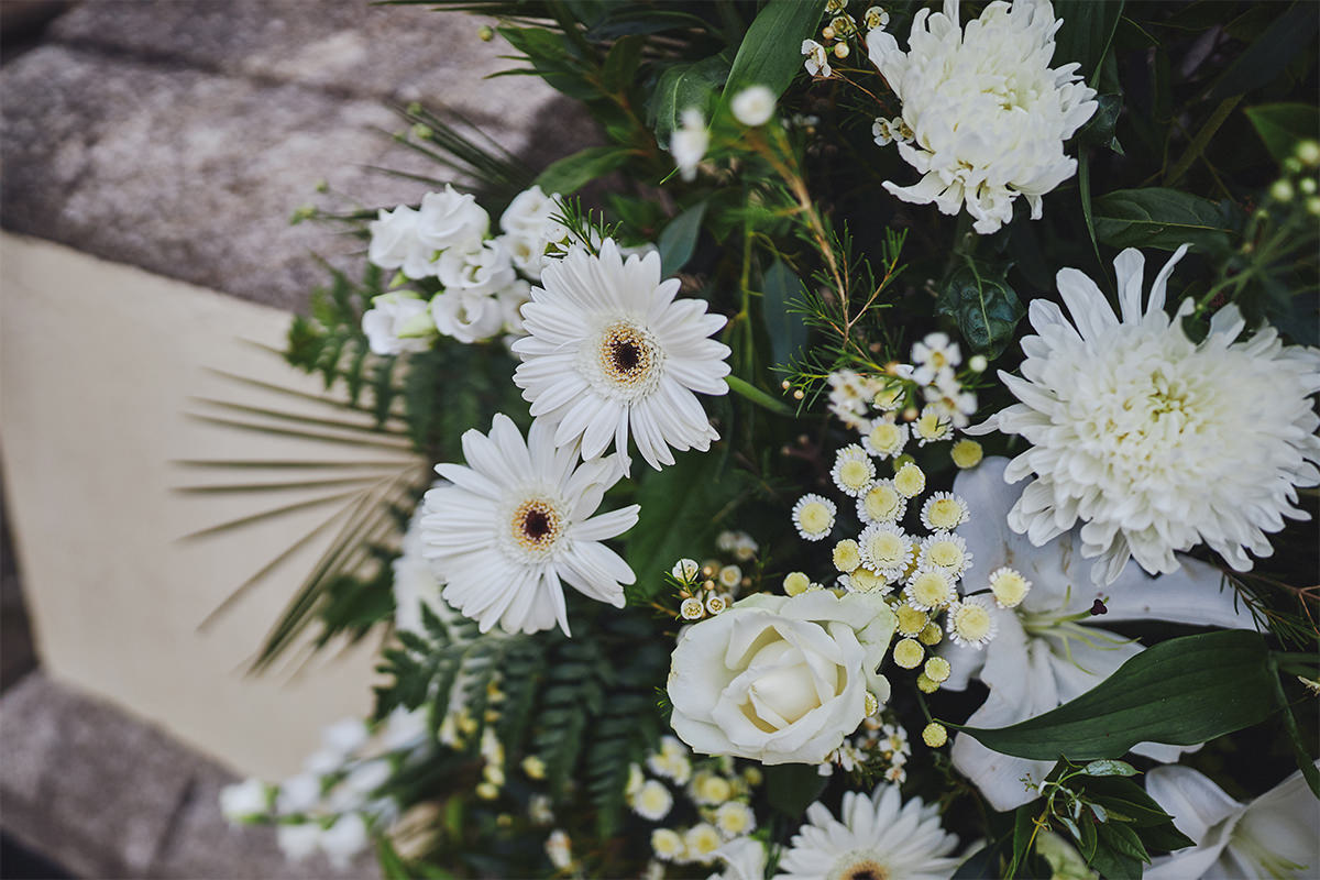 8 Tips Wedding flowers colours 87