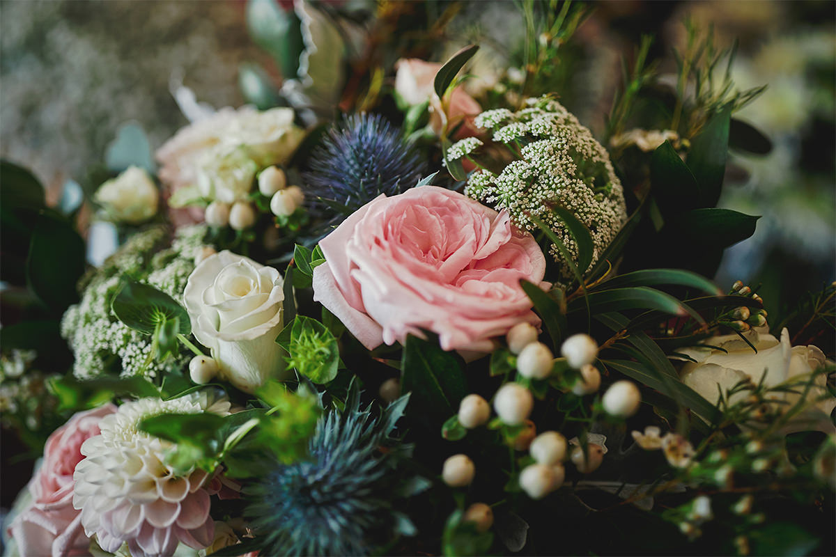 8 Tips Wedding flowers colours 92