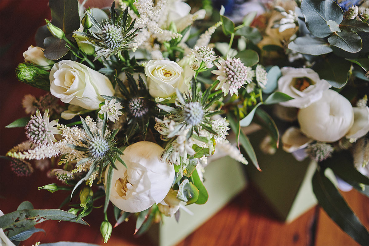 8 Tips Wedding flowers colours 96