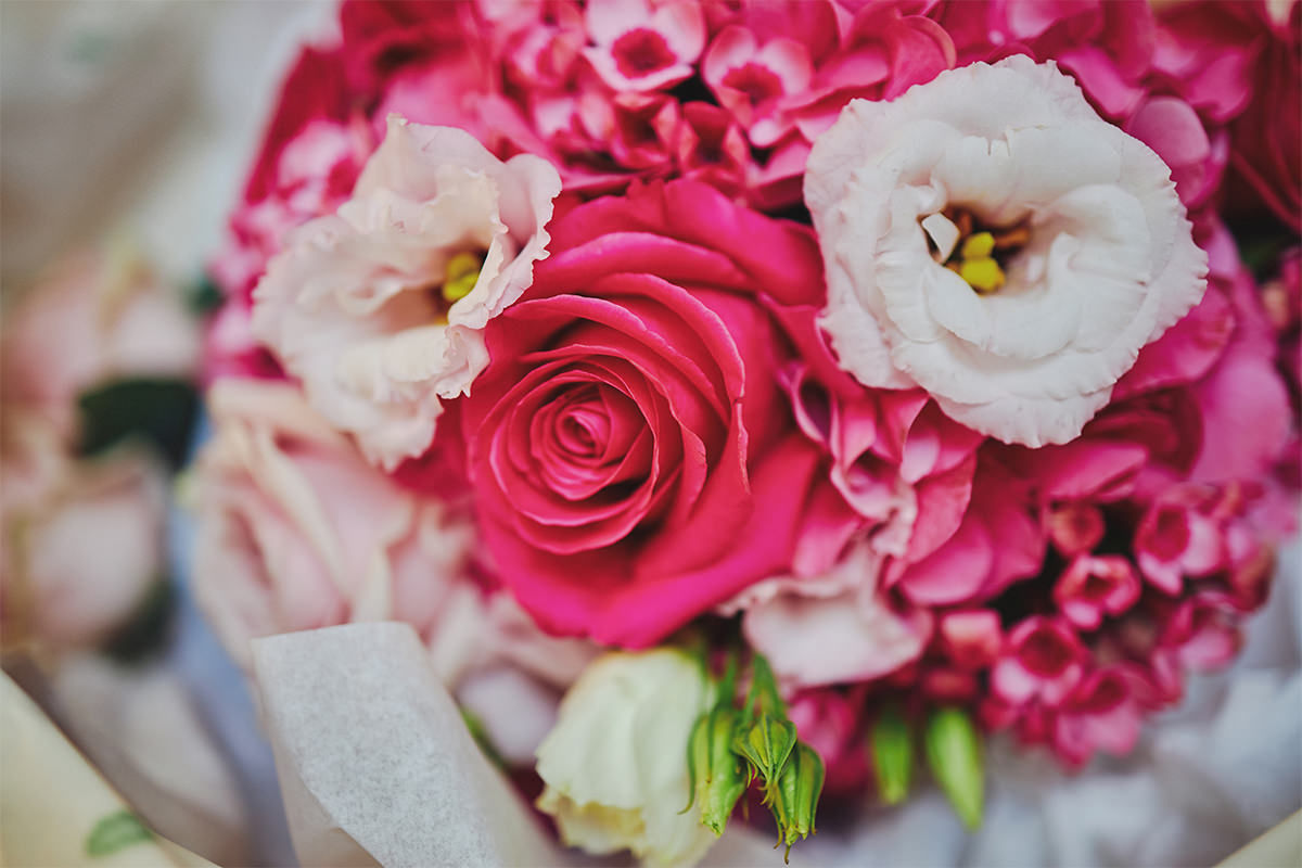 8 Tips Wedding flowers colours 101