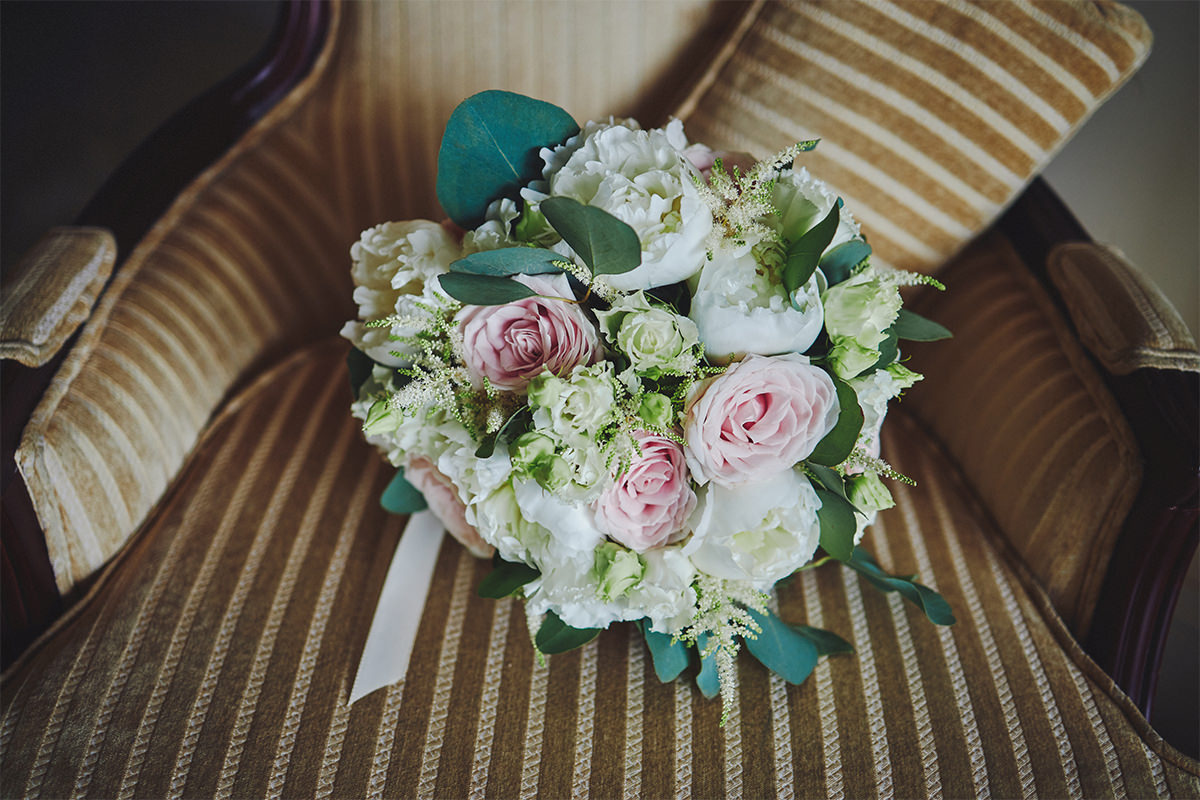 8 Tips Wedding flowers colours 116