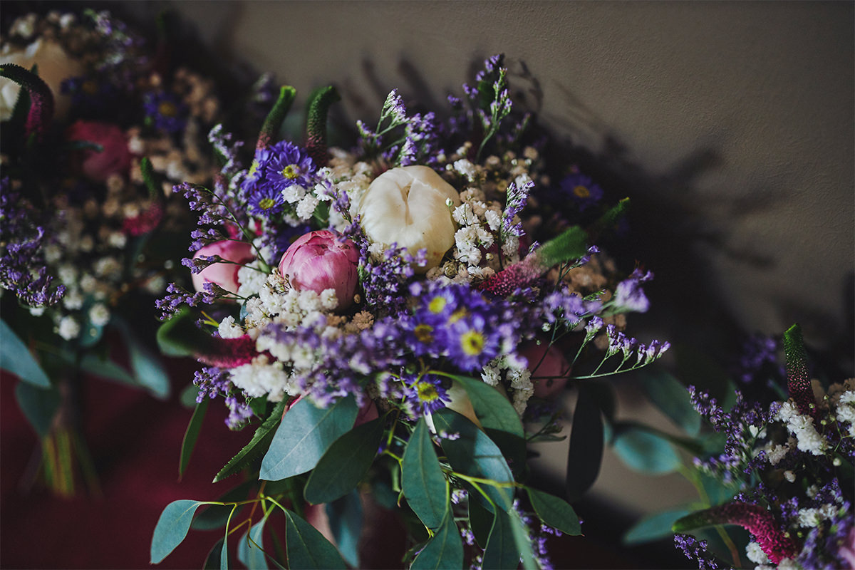 8 Tips Wedding flowers colours 121