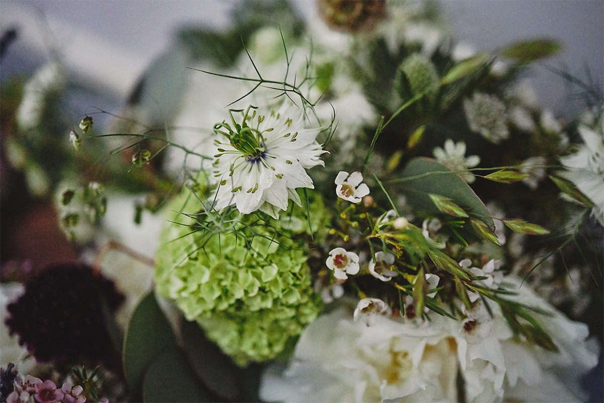 8 Tips Wedding flowers colours 127