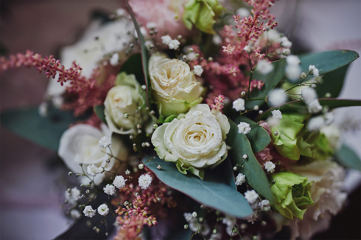 8 Tips Wedding flowers colours 128