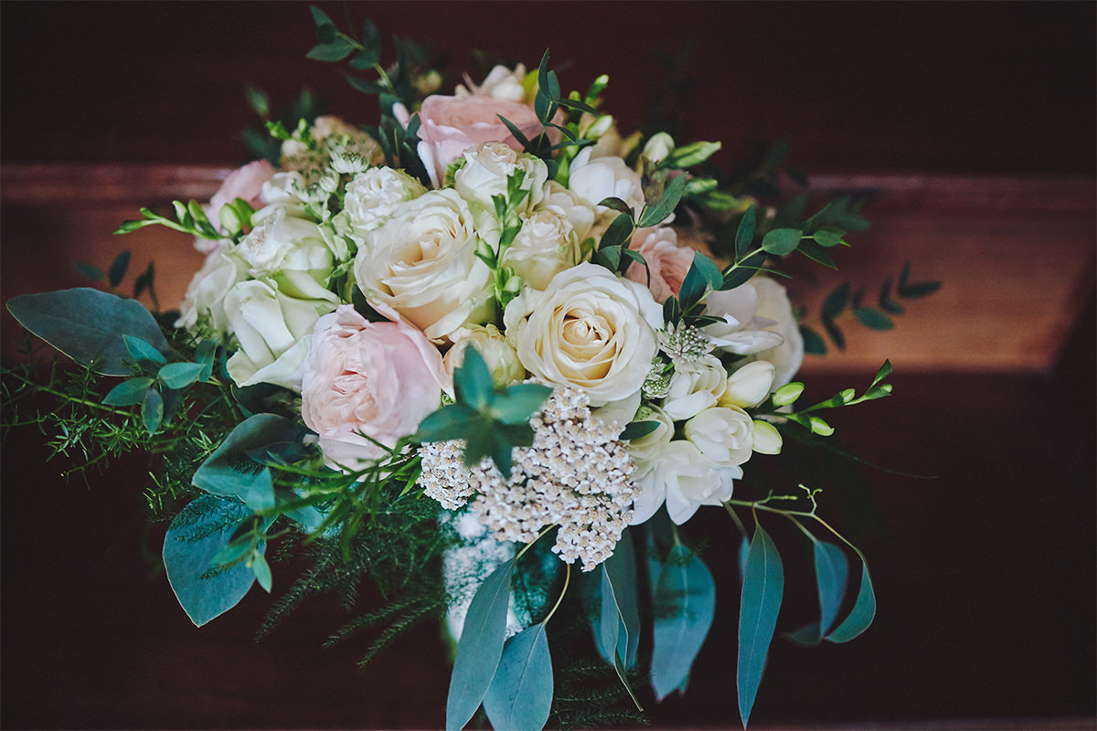 8 Tips Wedding flowers colours 131