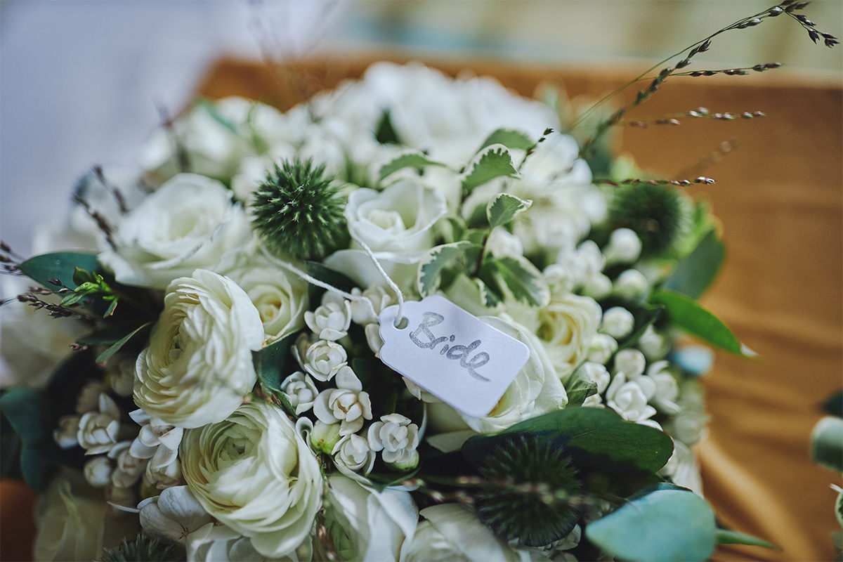 8 Tips Wedding flowers colours 138