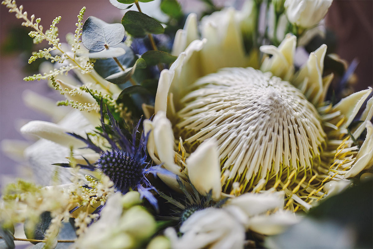 8 Tips Wedding flowers colours 145