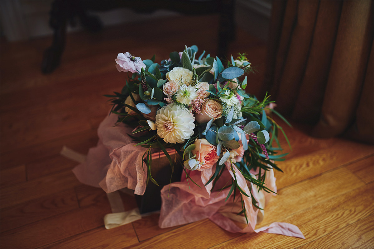 8 Tips Wedding flowers colours 155