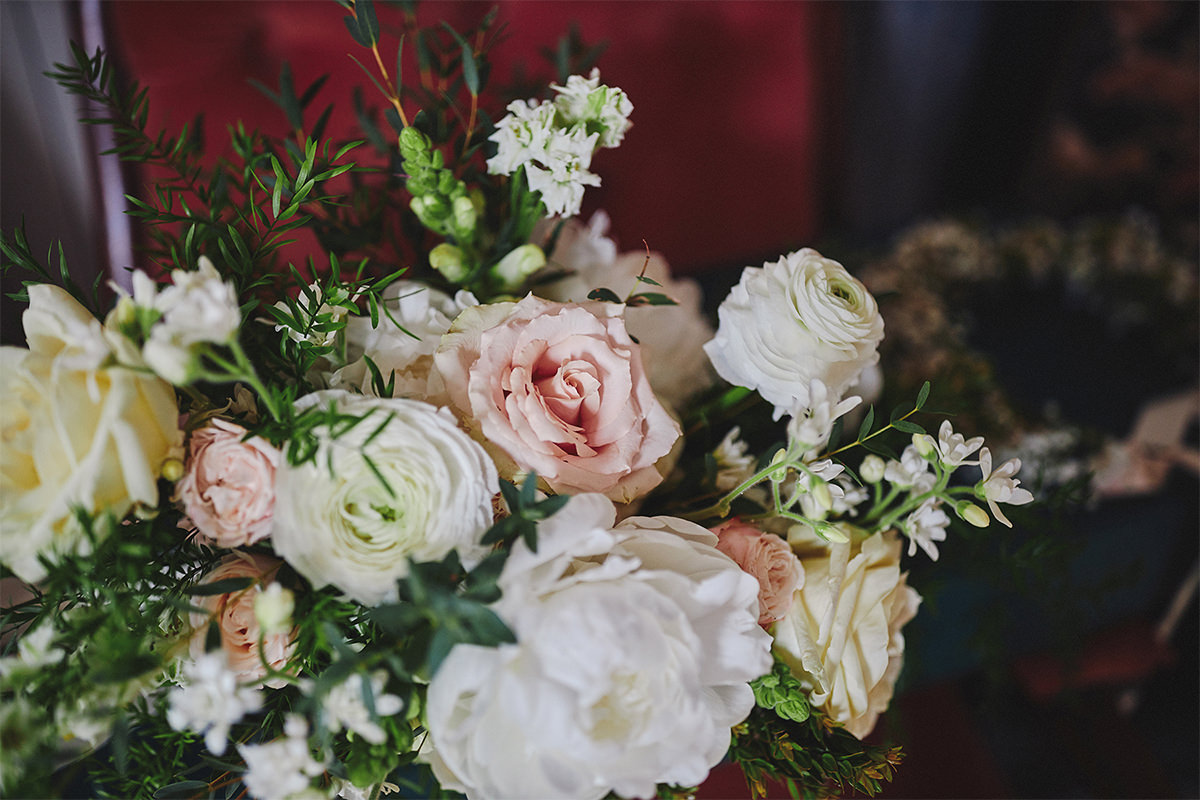 8 Tips Wedding flowers colours 161