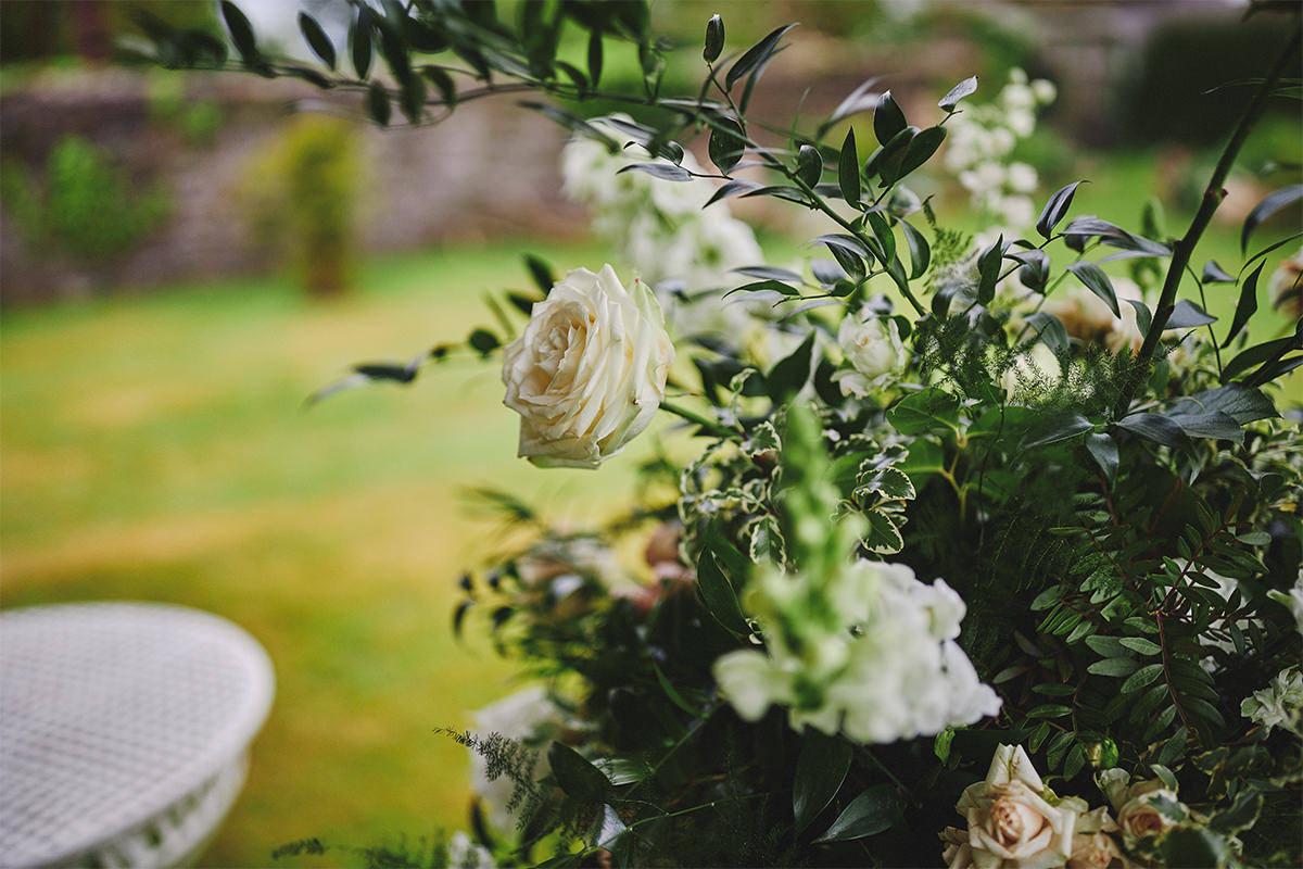 8 Tips Wedding flowers colours 164