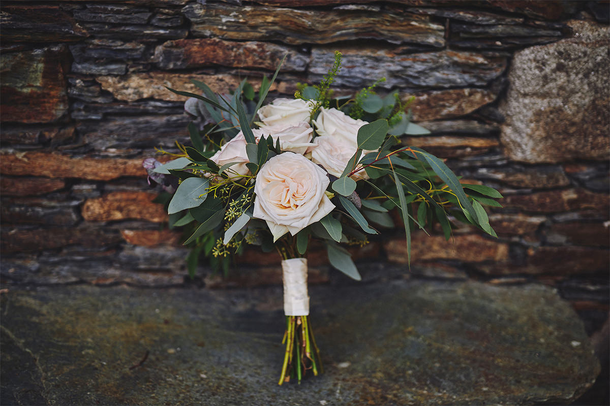 8 Tips Wedding flowers colours 175