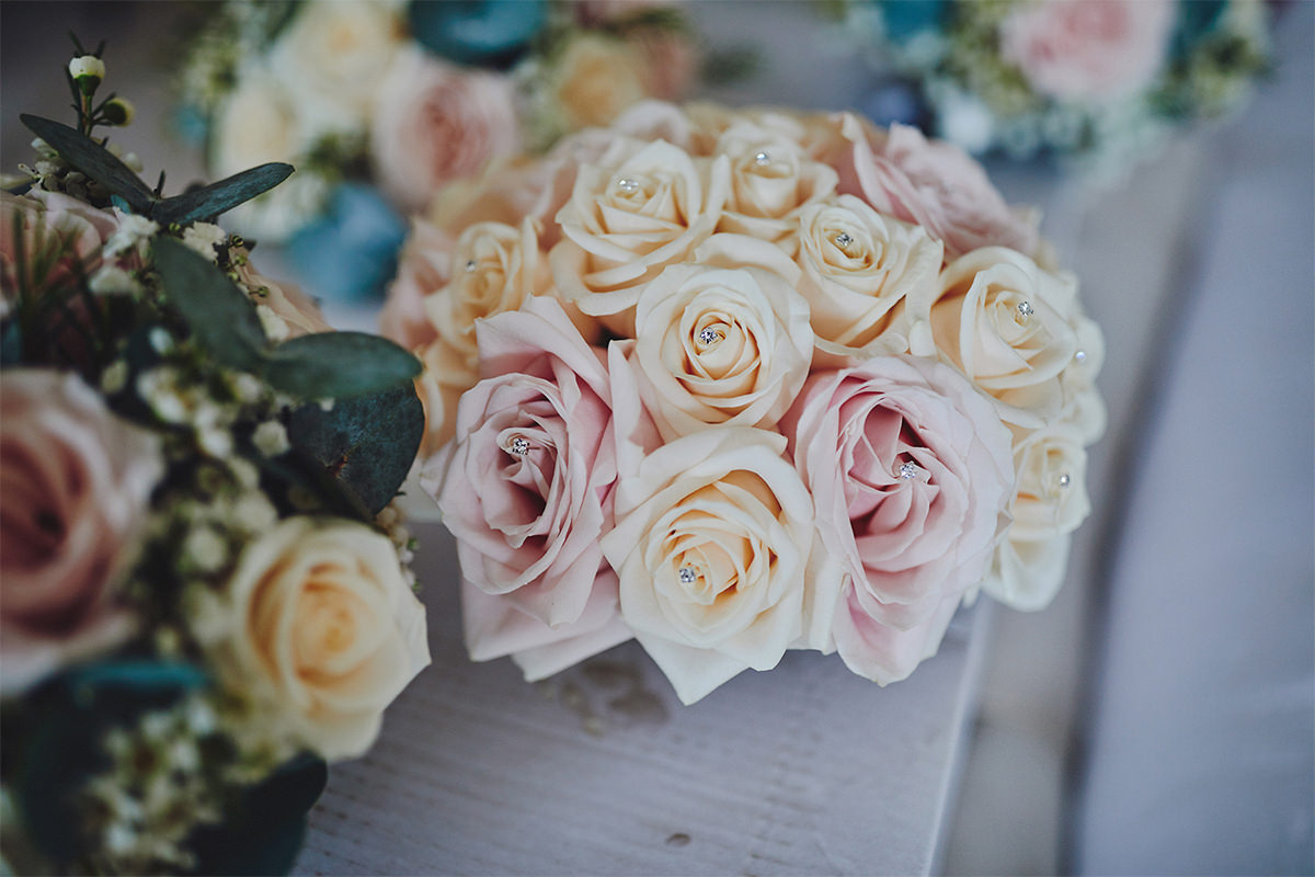 8 Tips Wedding flowers colours 182
