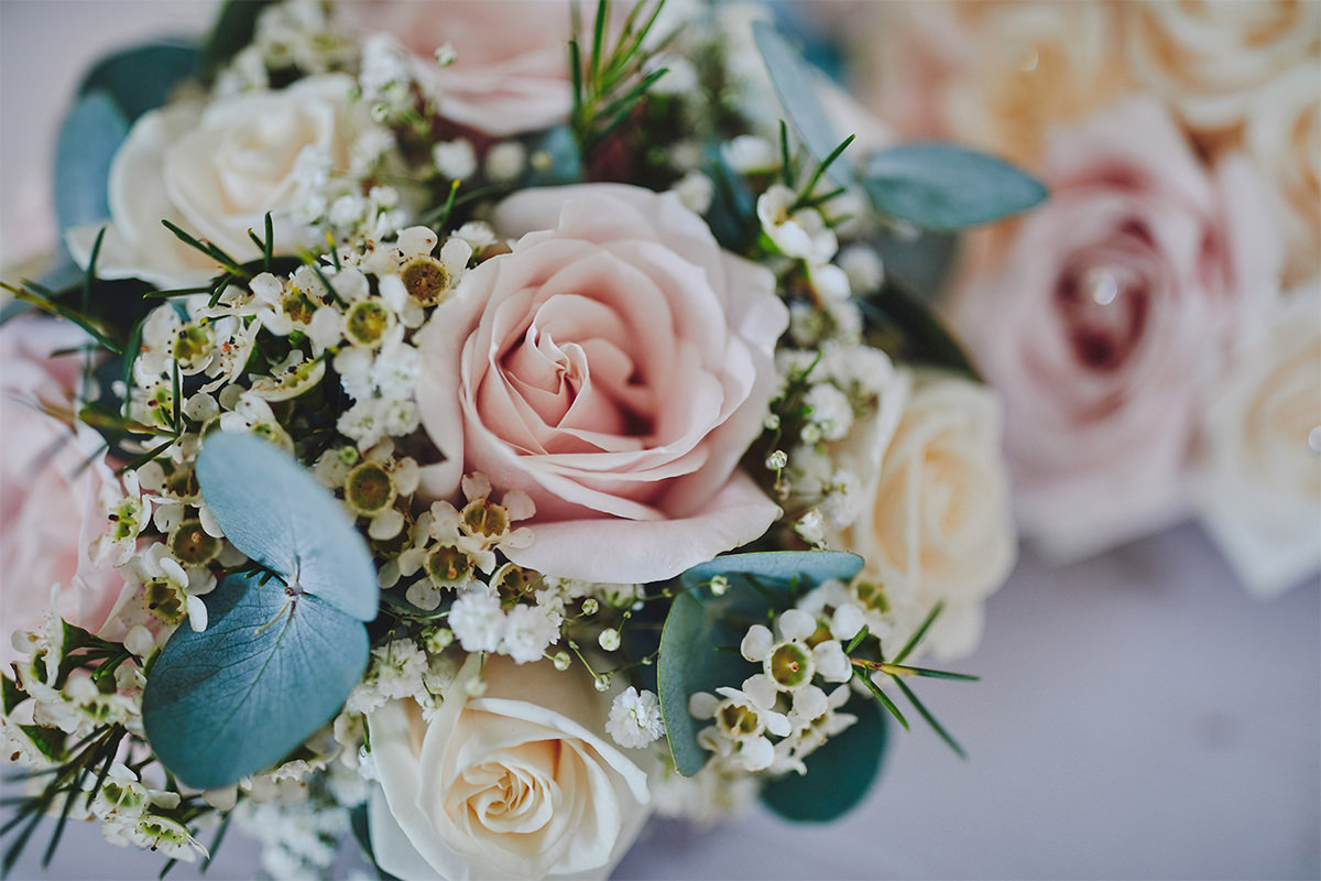 8 Tips Wedding flowers colours 183