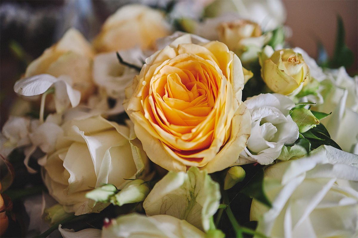 8 Tips Wedding flowers colours 188