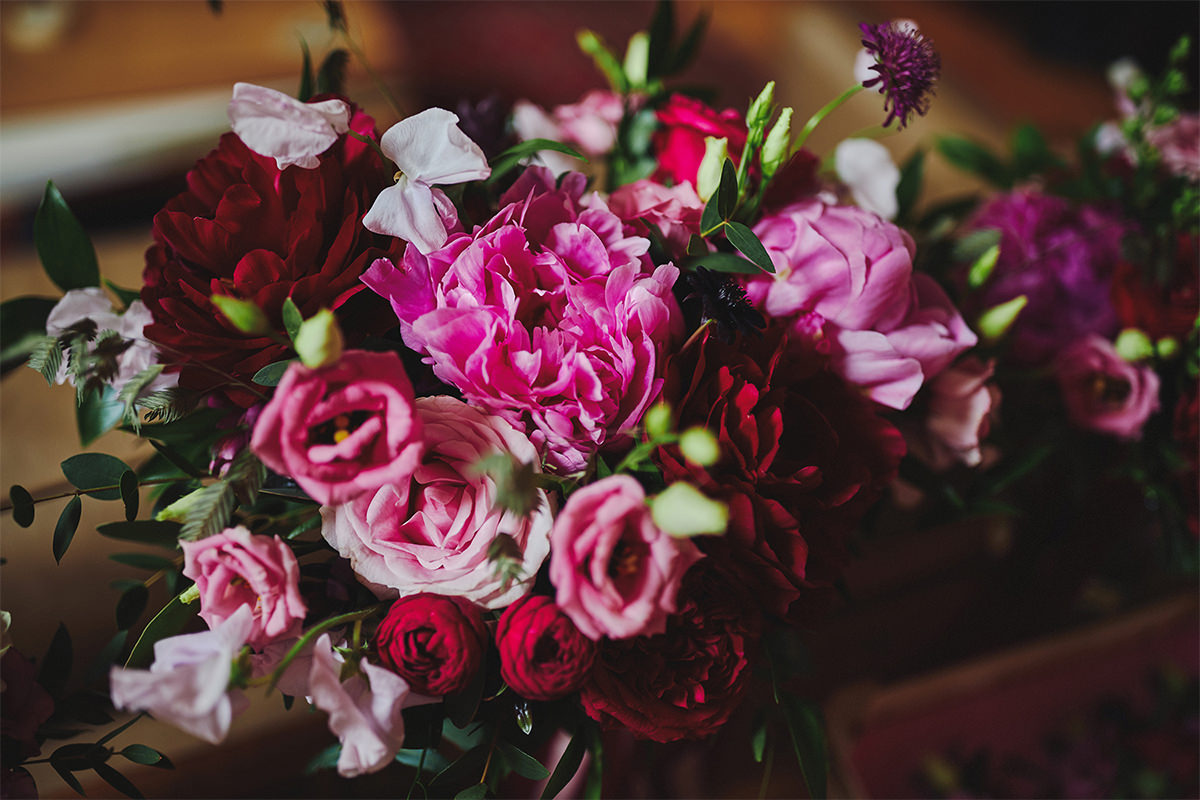 8 Tips Wedding flowers colours 198