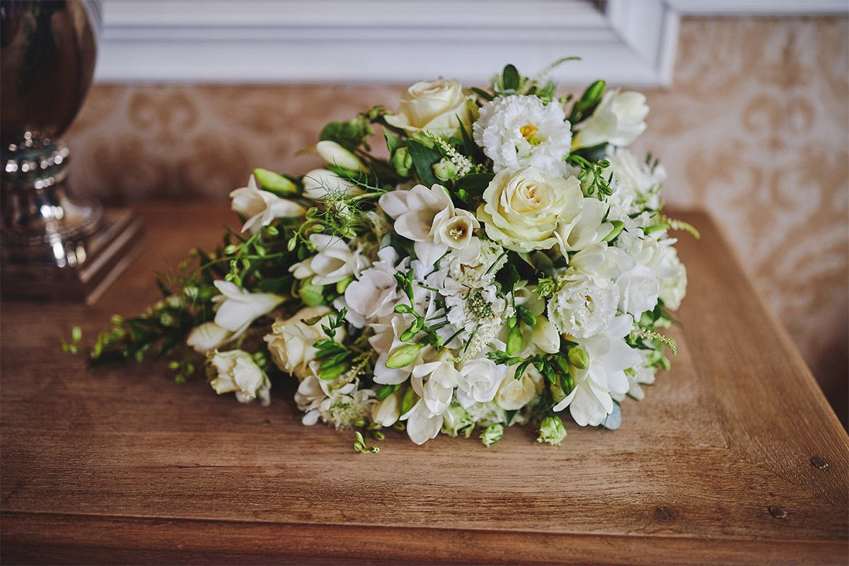 8 Tips Wedding flowers colours 213