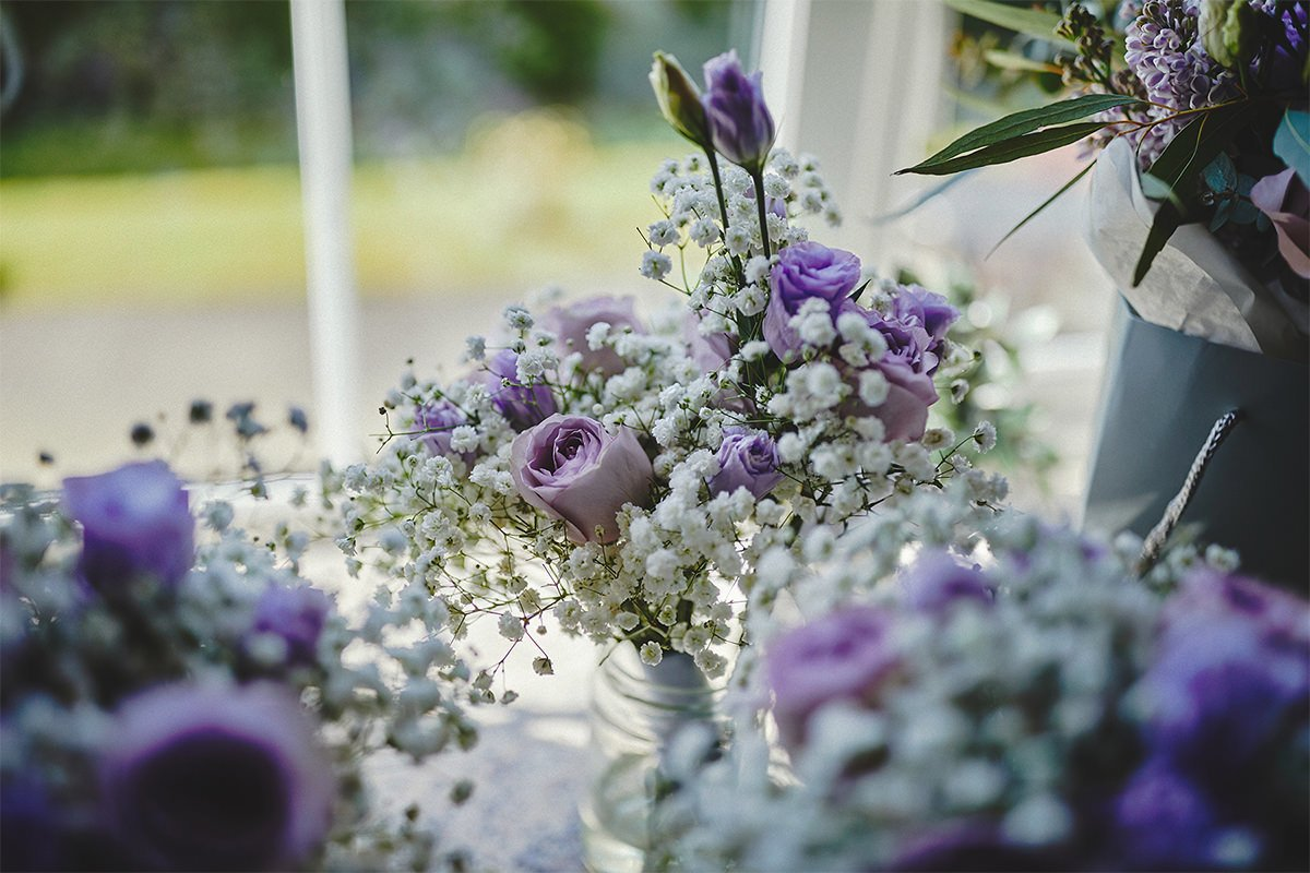 8 Tips Wedding flowers colours 216