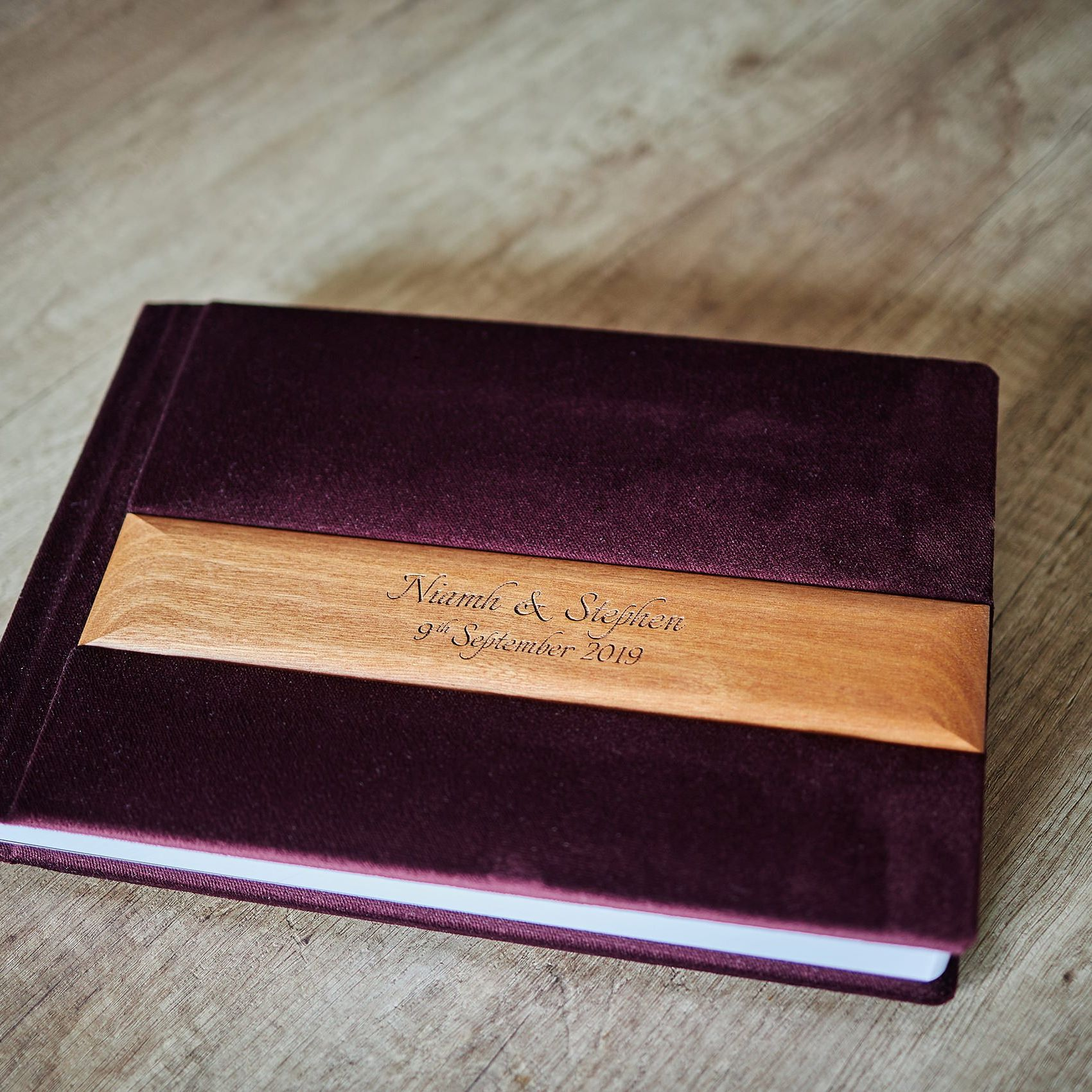 1 Standard and 2 Parents wedding albums (60 pages-150 photos) PLAN 9