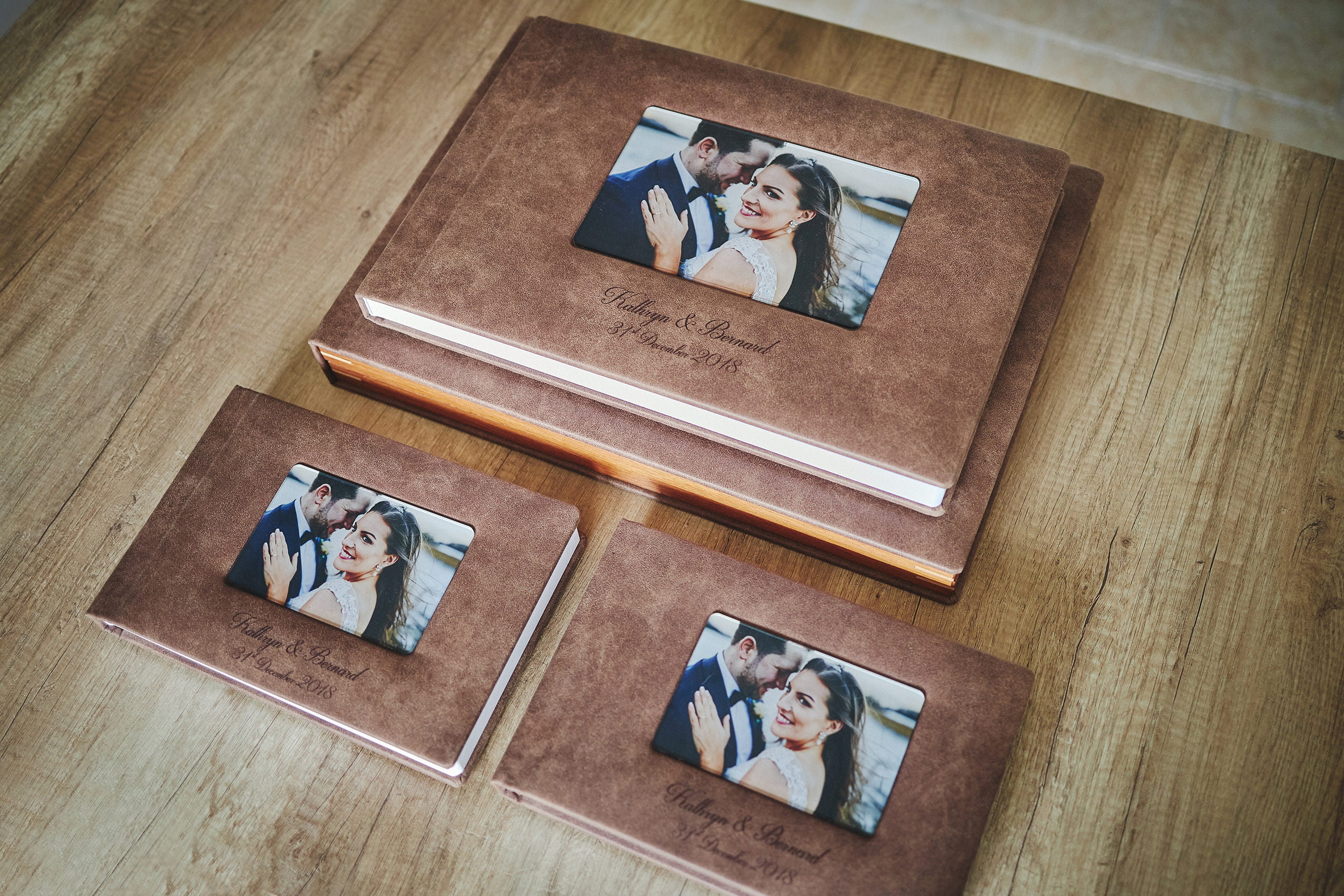 1 Standard and 2 Parents wedding albums (60 pages-150 photos) PLAN 1