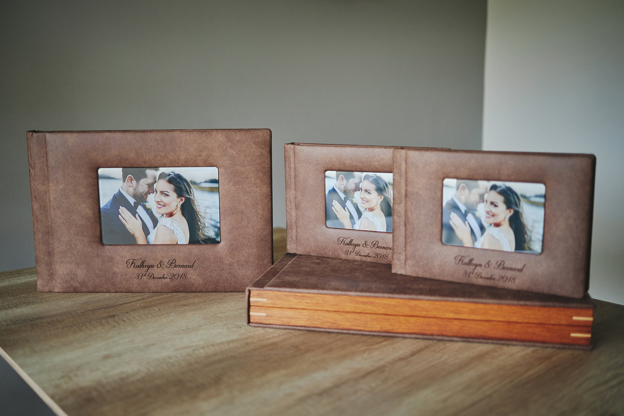 1 Standard and 2 Parents wedding albums (40 pages-100 photos) 2